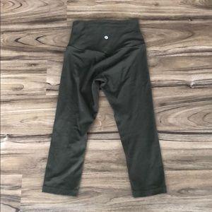 Lululemon Align cropped olive green leggings!